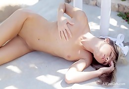 Gina Gerson outdoor wee and wank in 1080p!