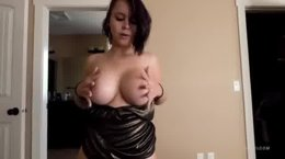 Naughty Girl Gives perfect blowjob to her BF