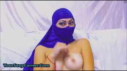 Arabian Babe In Hijab Enjoys Deep Gaping Anal Toying