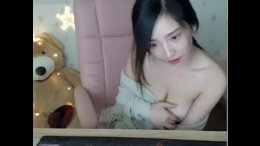 Chinese Streamer naked on cam